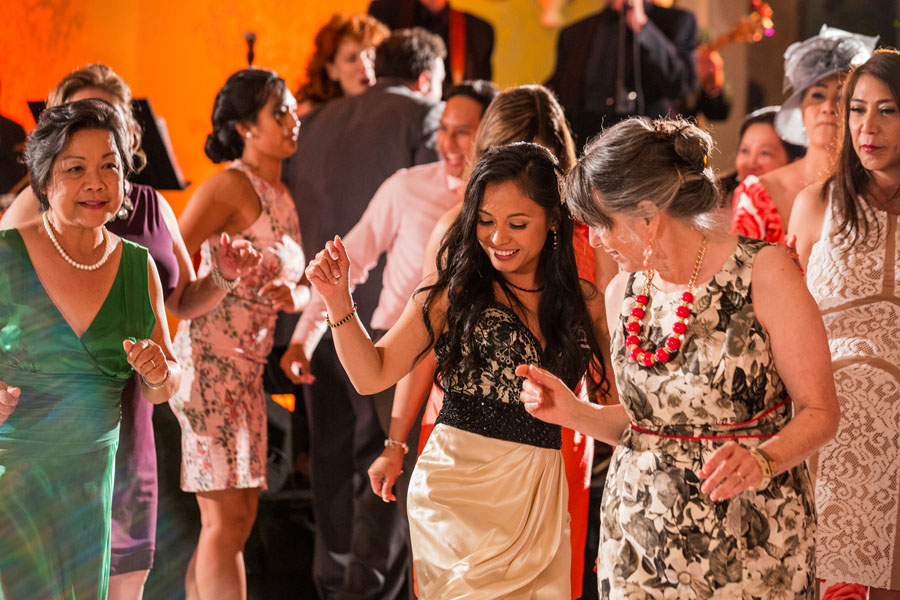guests dancing rosewood sand hill