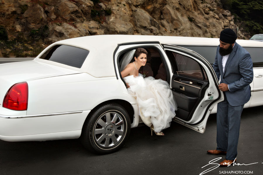 bride arriving to cliff house in limo