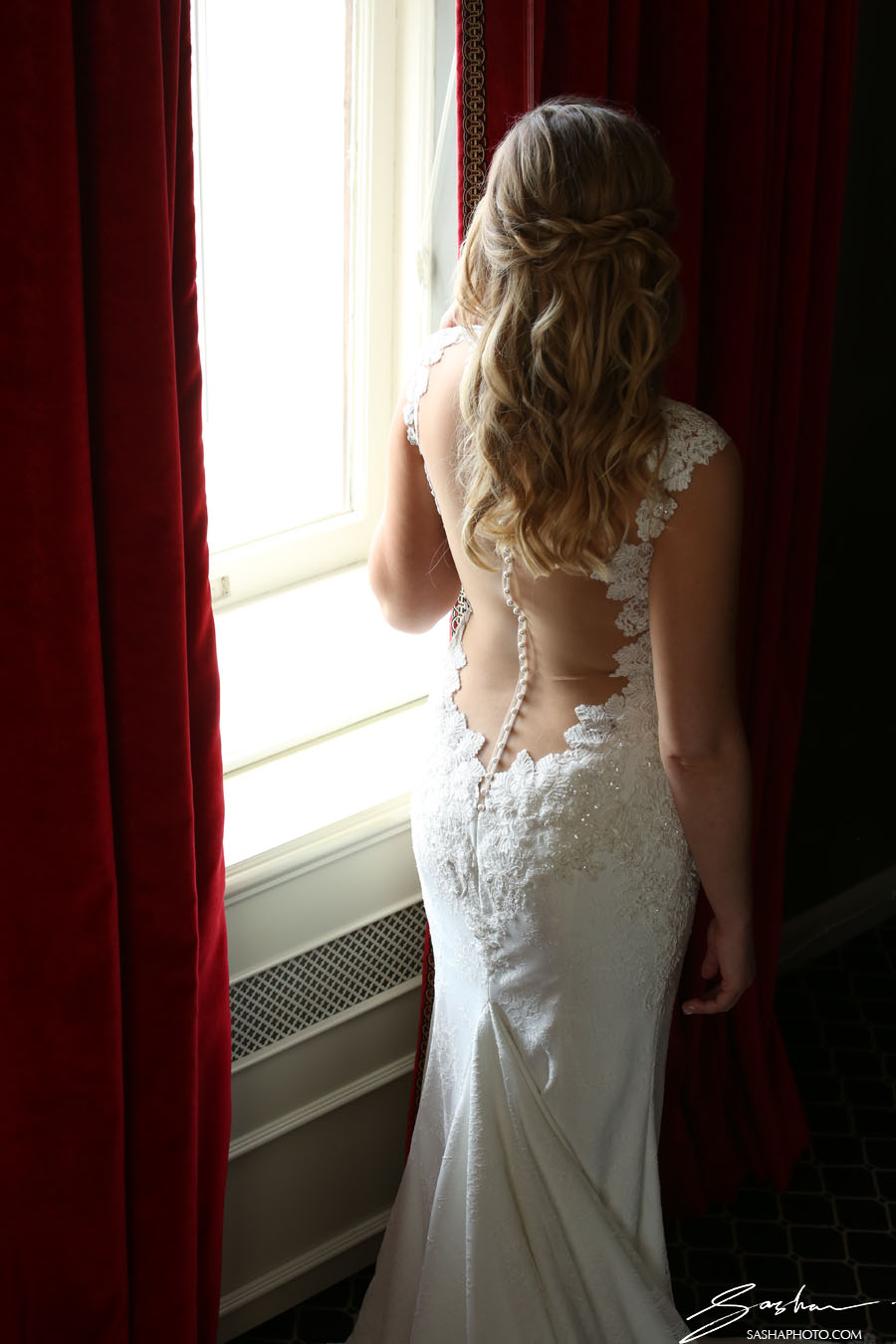 bridal gown open back