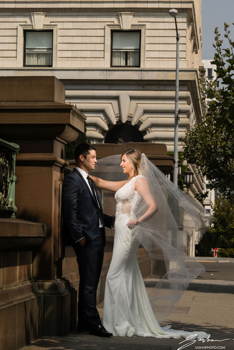 bride and groom in nob hill