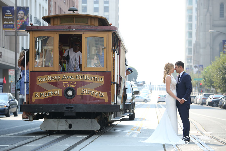 bride groom cable car