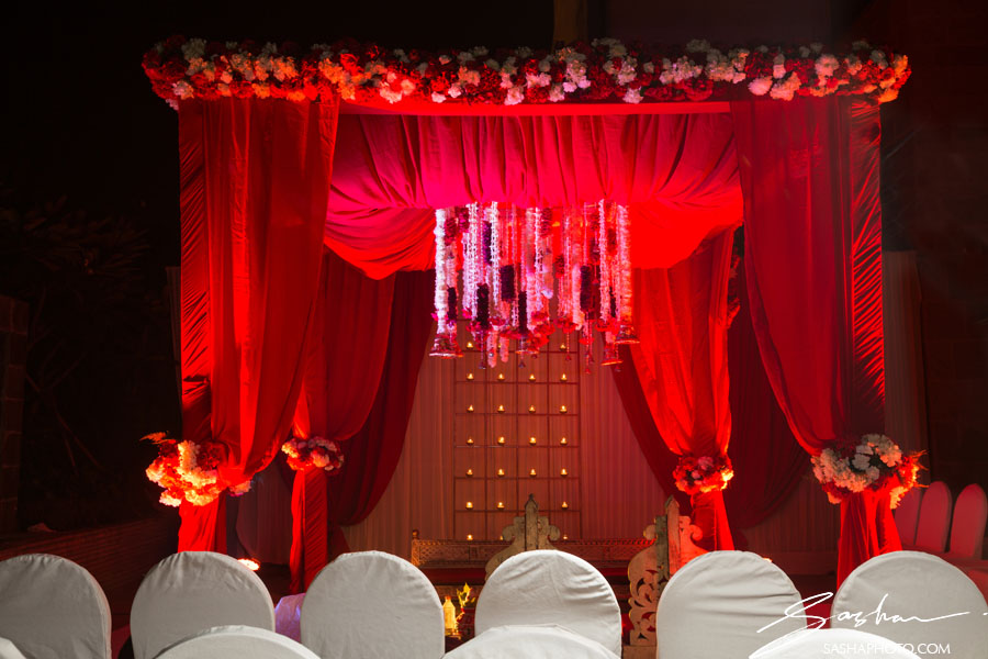 indian wedding red mandap